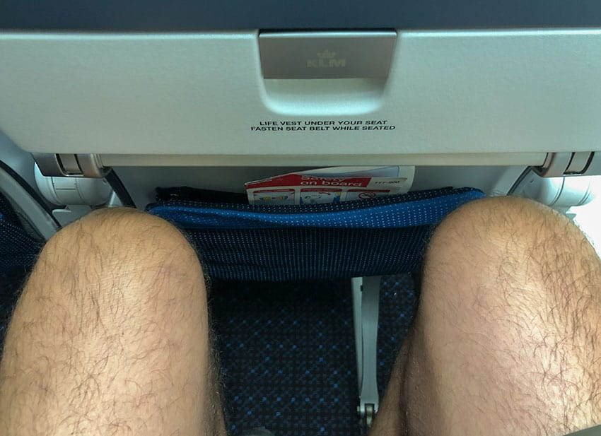 Legroom KLM Boing 777-200ER seat